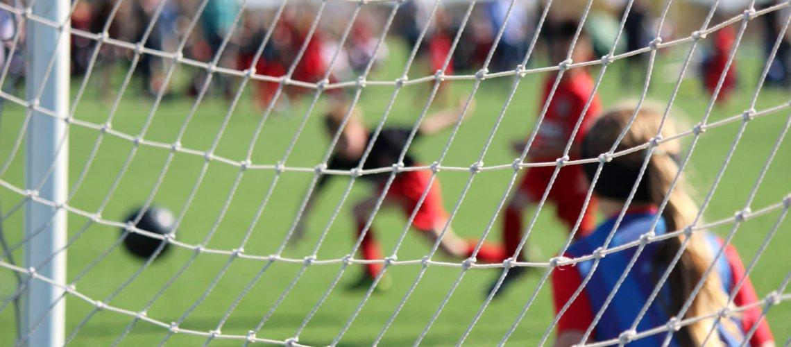 Younis, Fußball und Pädagogik